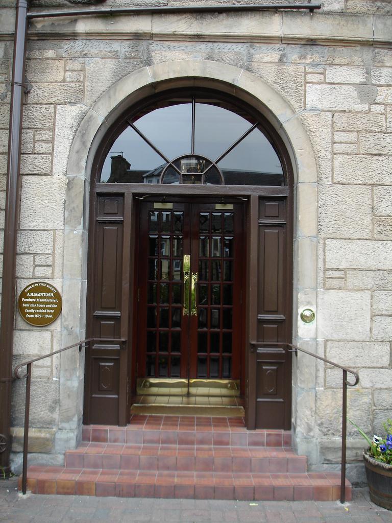 Door Installation in Montreal & Door Installation