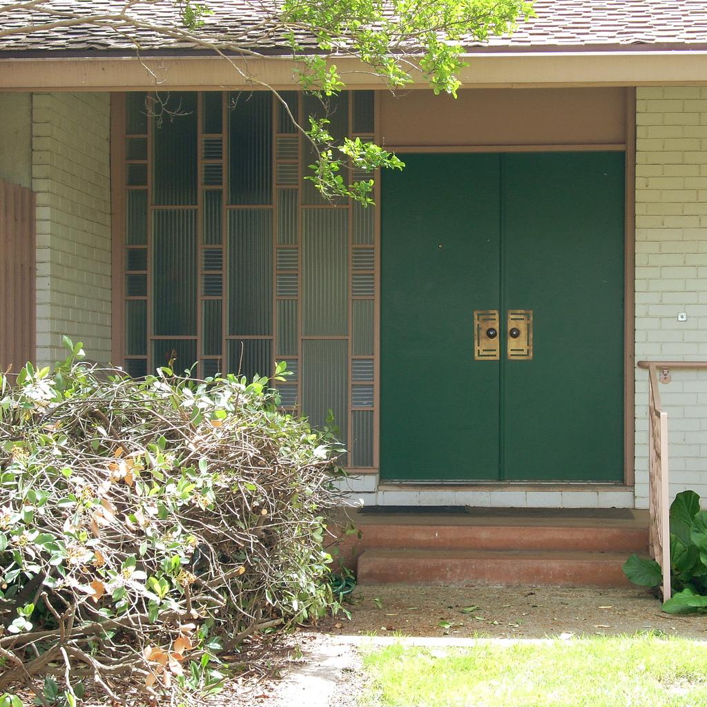 Entry door style
