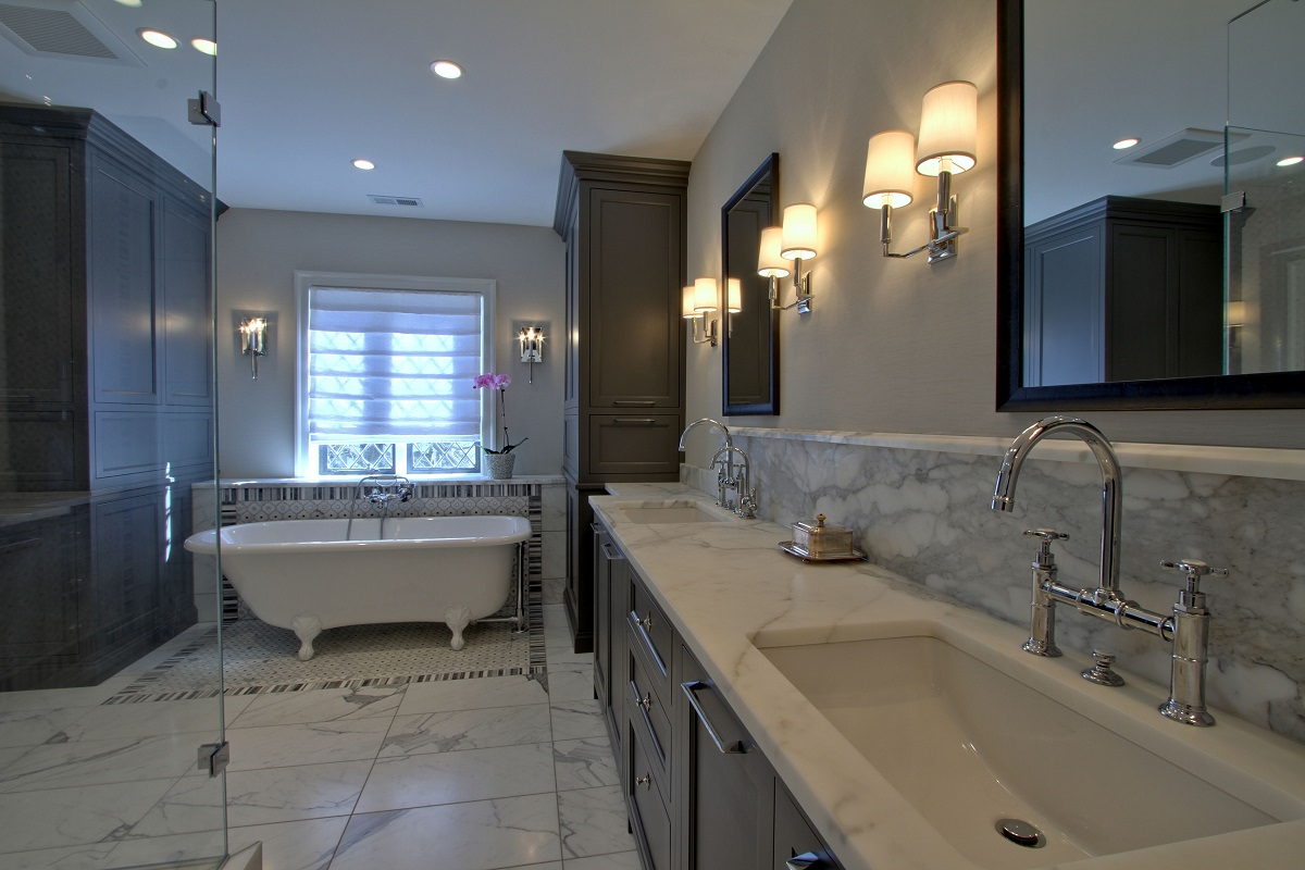 Bathroom renovation bathroom improvement montreal renovation - Small bathroom remodel with tub ...